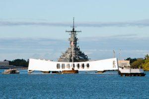 USS Missouri stands guard with USS Arizona Image: JTB-GTS LLC